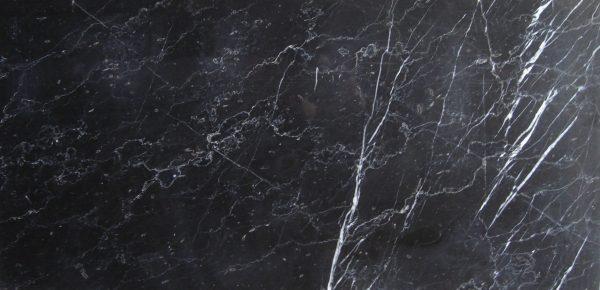 Márvány fekete fehér erekkel 60*30*1,0 cm